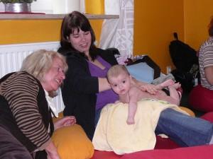 babymassage_januar_2010_20100219_1077352693