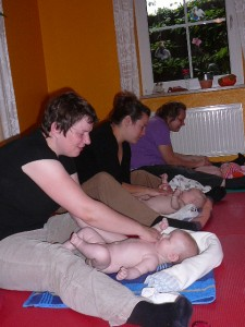 babymassage_september_2010_20101001_1077882022